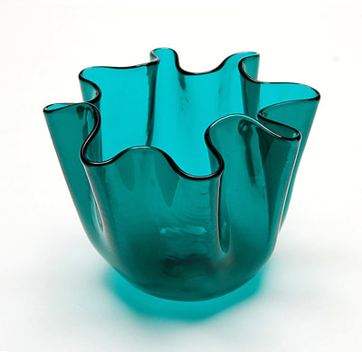 Transparant green glass Handkerchief vase design Fulvio Bianconi 1950 executed by Venini / Italy